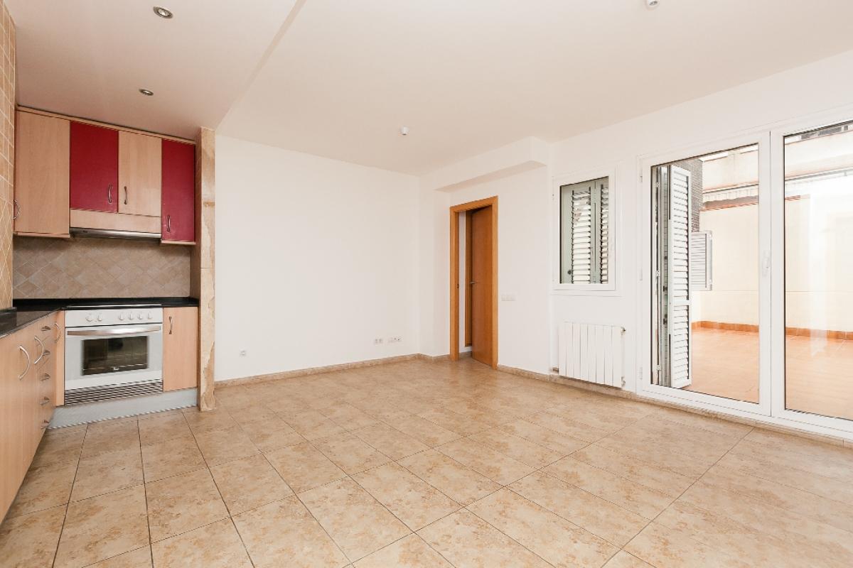 Piso en venta en Sabadell, Barcelona, Calle Andorra, 163.000 €, 2 habitaciones, 2 baños, 70 m2