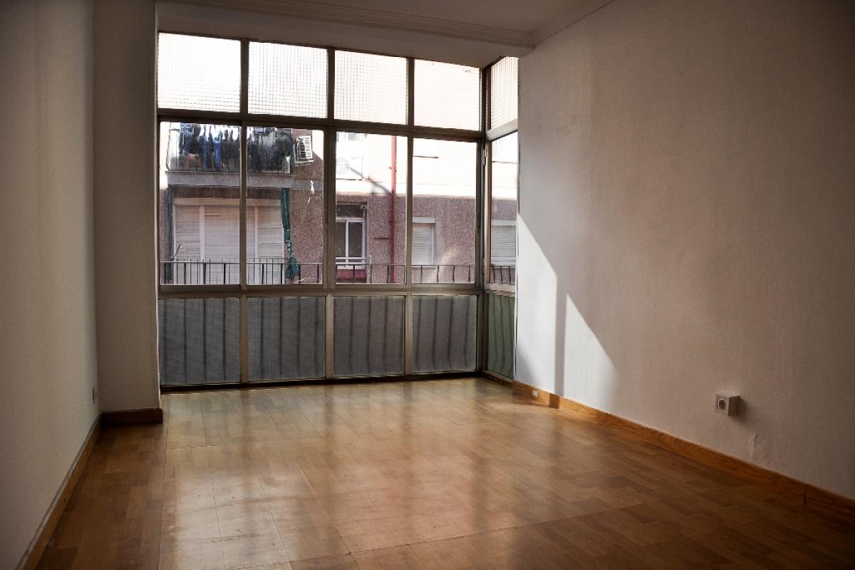 Piso en venta en Sant Adrià de Besòs, Barcelona, Calle Argentina, 154.000 €, 2 habitaciones, 1 baño, 63 m2