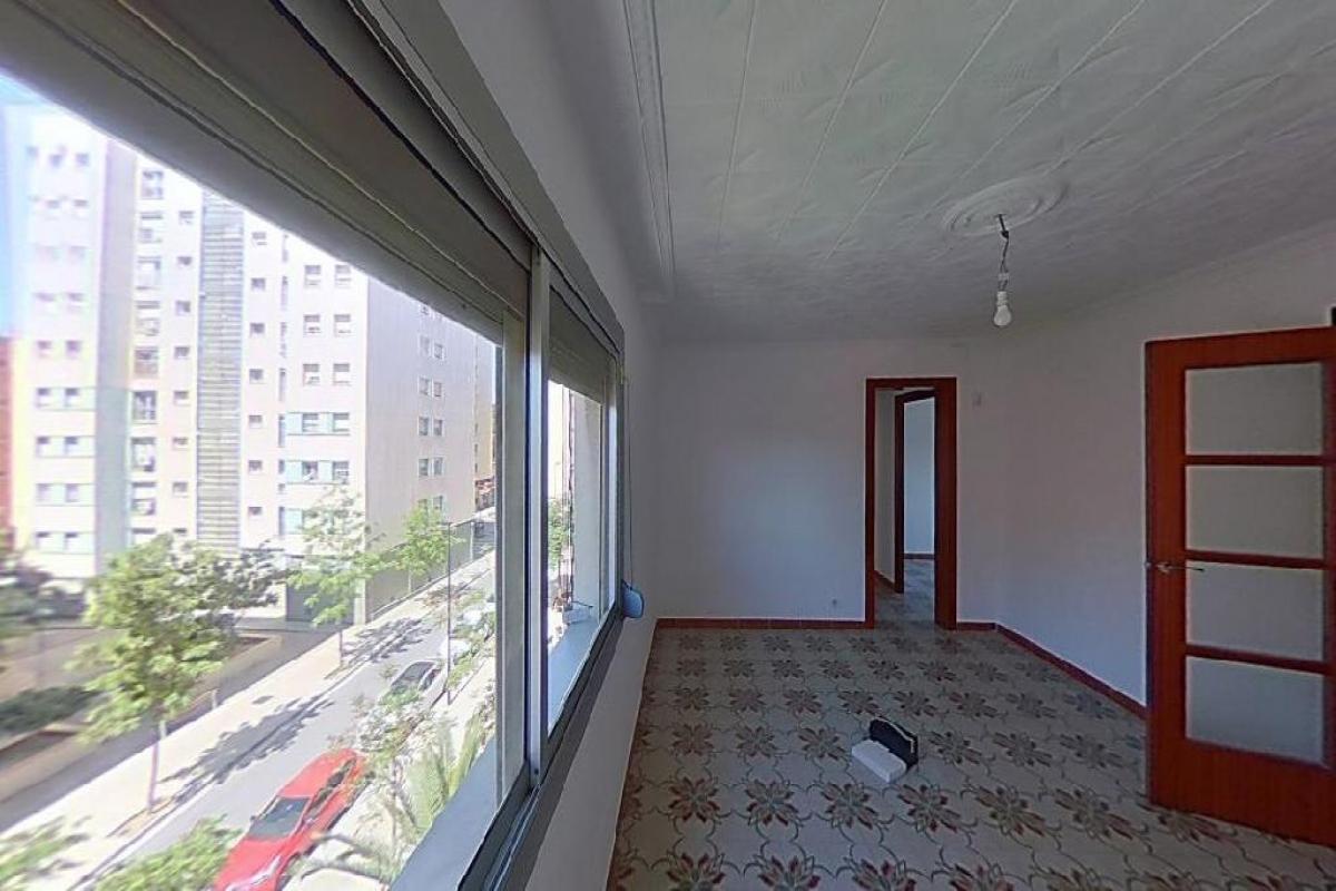 Piso en venta en Sant Vicenç Dels Horts, Barcelona, Calle la Viñala, 152.000 €, 3 habitaciones, 1 baño, 68 m2