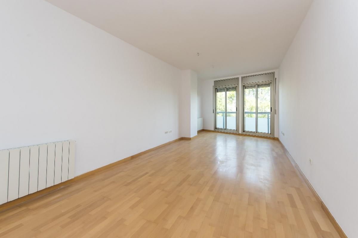 Piso en venta en Terrassa, Barcelona, Calle Montcada, 205.000 €, 2 habitaciones, 1 baño, 93 m2
