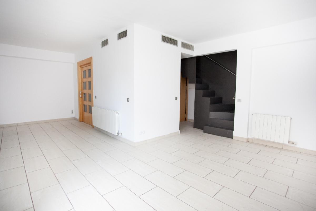 Piso en venta en Viladecans, Barcelona, Calle Llevat, 303.000 €, 3 habitaciones, 2 baños, 128 m2