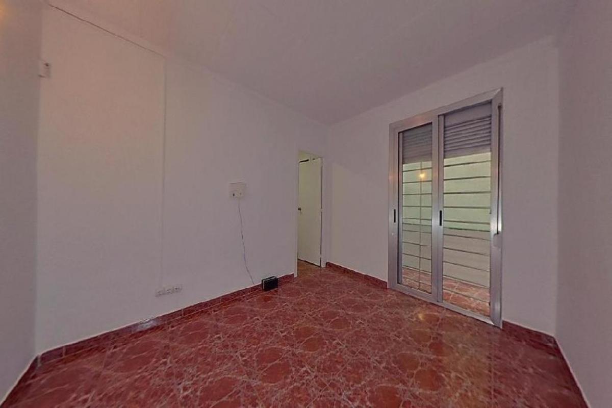 Piso en venta en Barcelona, Barcelona, Calle Romani, 147.000 €, 3 habitaciones, 1 baño, 75 m2