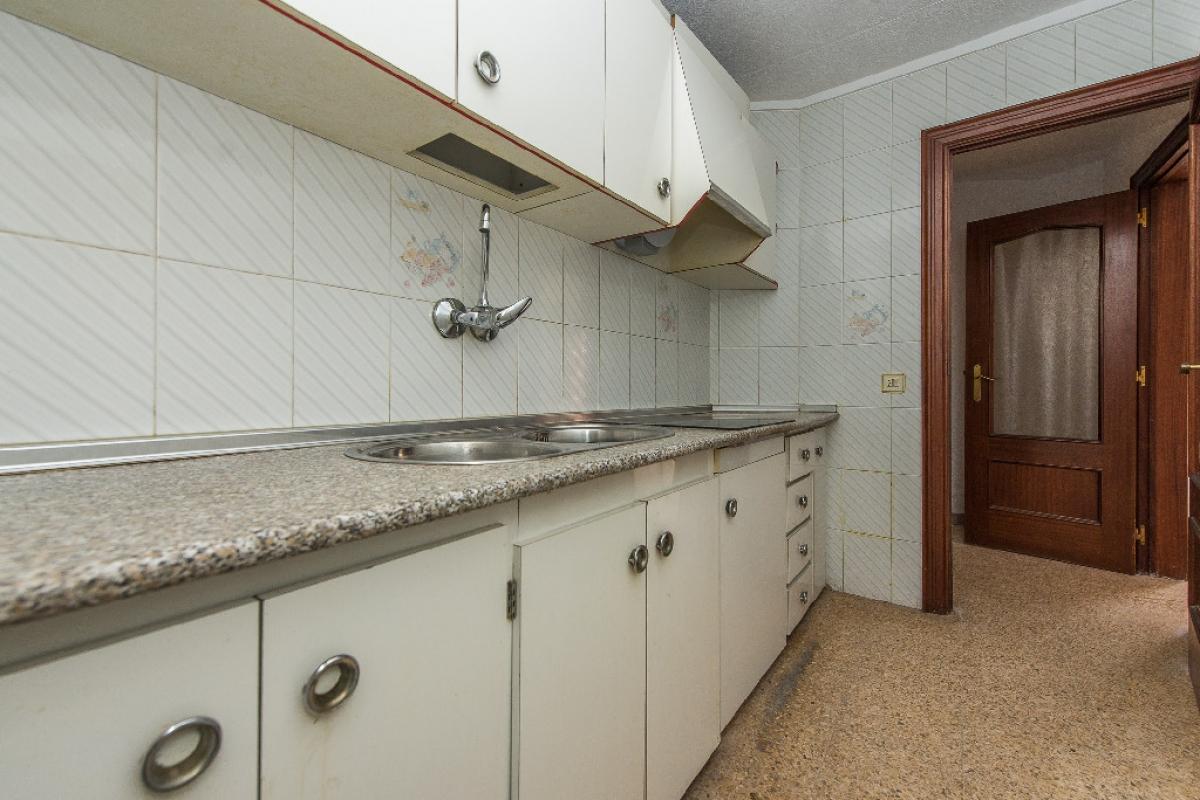Piso en venta en Molins de Rei, Barcelona, Calle Sant Isidre, 201.000 €, 3 habitaciones, 1 baño, 78 m2