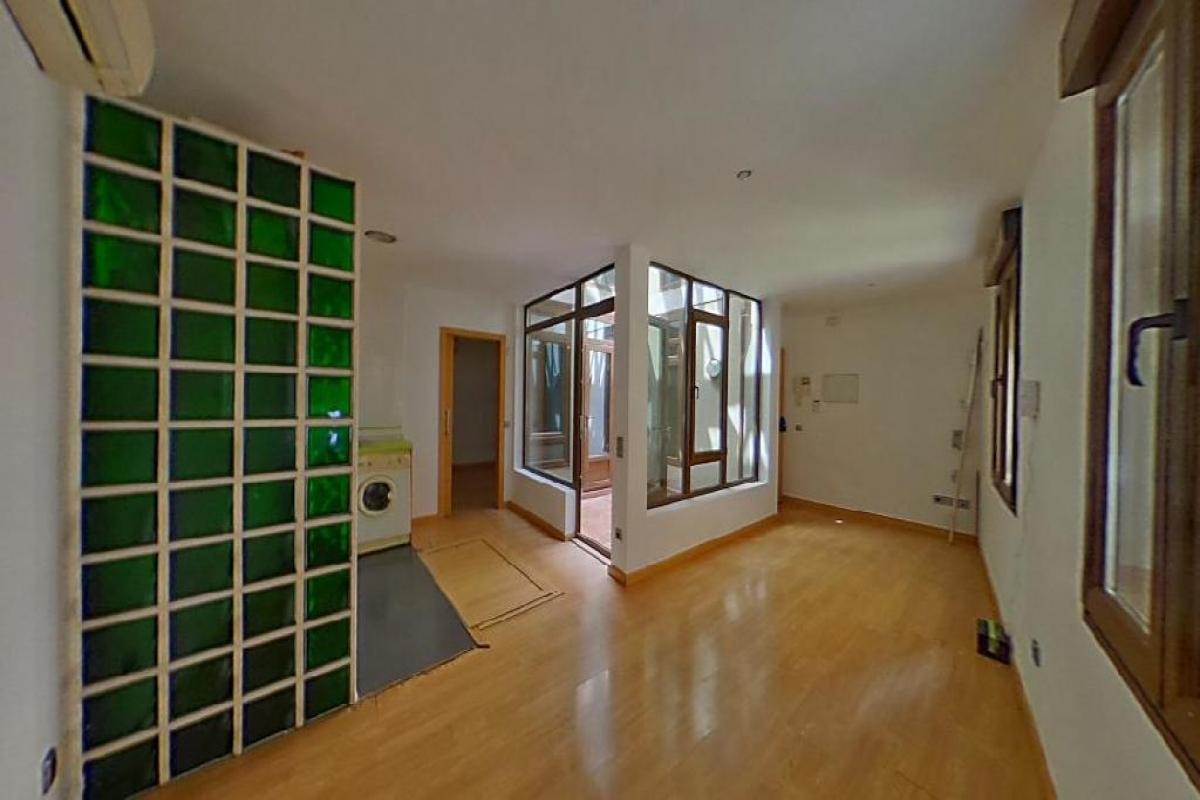 Piso en venta en Santa Bárbara, Toledo, Toledo, Calle los Becquer, 132.500 €, 1 habitación, 1 baño, 105 m2