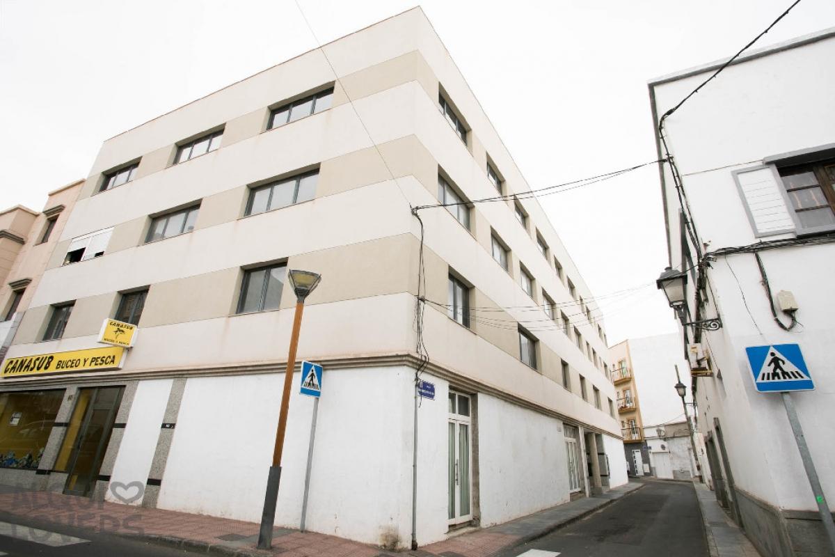 Piso en venta en La Vega, Arrecife, Las Palmas, Calle Coronel Benz, 68.000 €, 1 habitación, 1 baño, 50 m2