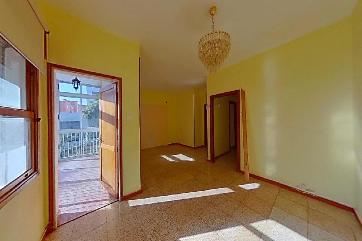 Piso en venta en Ofra-costa Sur, Santa Cruz de Tenerife, Santa Cruz de Tenerife, Calle Gerona, 128.500 €, 5 habitaciones, 1 baño, 124 m2