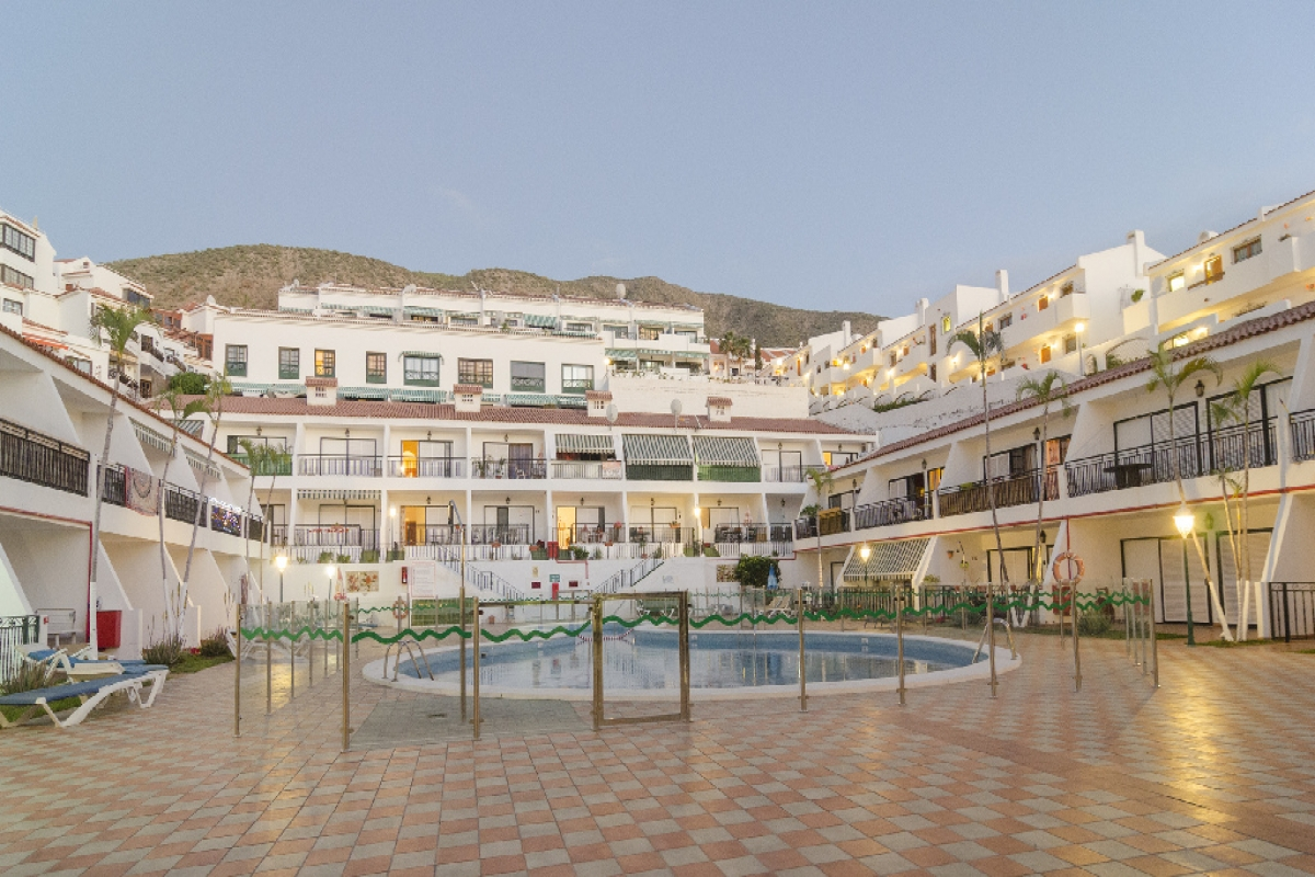 Piso en venta en Chayofa, Arona, Santa Cruz de Tenerife, Calle Rodeo, 160.500 €, 1 habitación, 1 baño, 61 m2