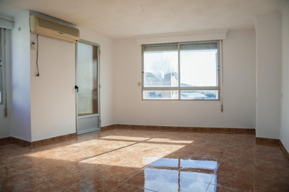 Piso en venta en Urbanización Penyeta Roja, Almenara, Castellón, Calle San Marcos, 52.000 €, 3 habitaciones, 1 baño, 103 m2