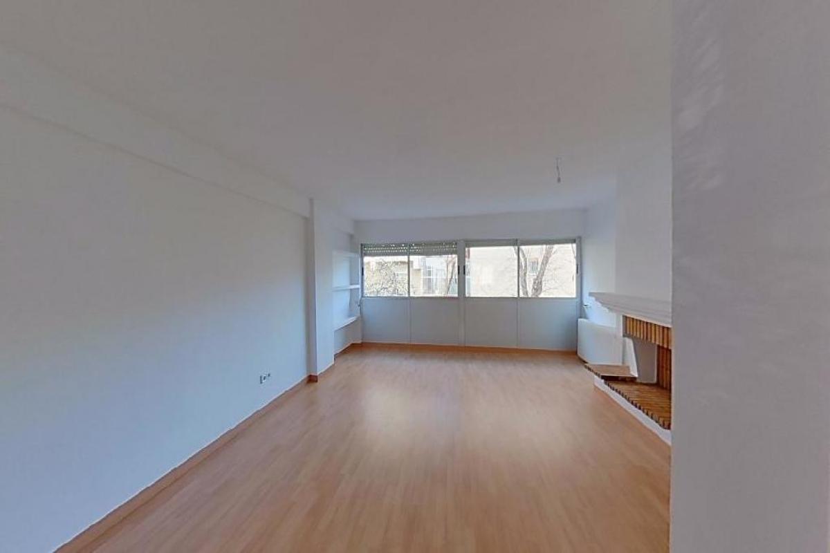 Piso en venta en La Laguna, Parla, Madrid, Calle Santander, 112.000 €, 2 habitaciones, 1 baño, 87 m2
