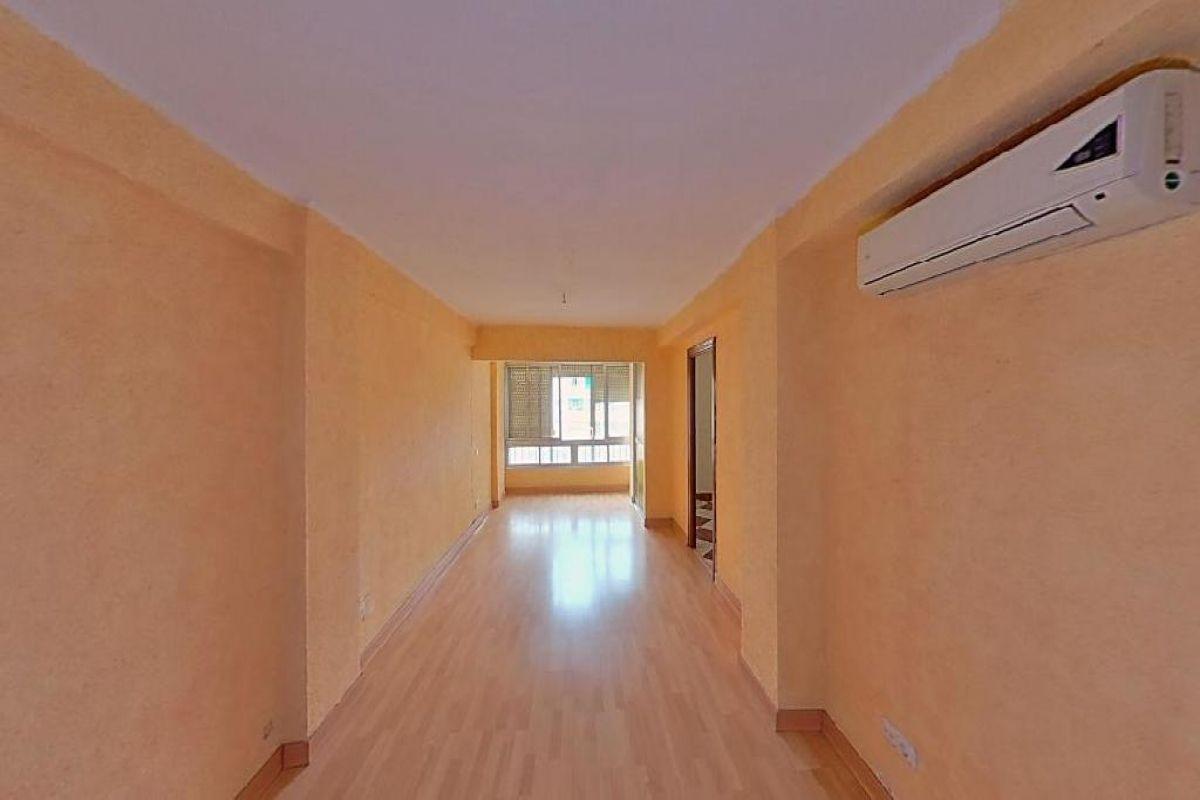 Piso en venta en Bailén-miraflores, Málaga, Málaga, Calle Segismundo Moret, 115.500 €, 3 habitaciones, 1 baño, 87 m2