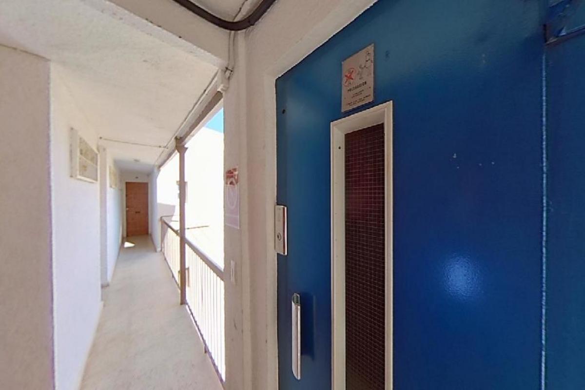 Piso en venta en Piso en Benidorm, Alicante, 102.000 €, 3 habitaciones, 1 baño, 62 m2