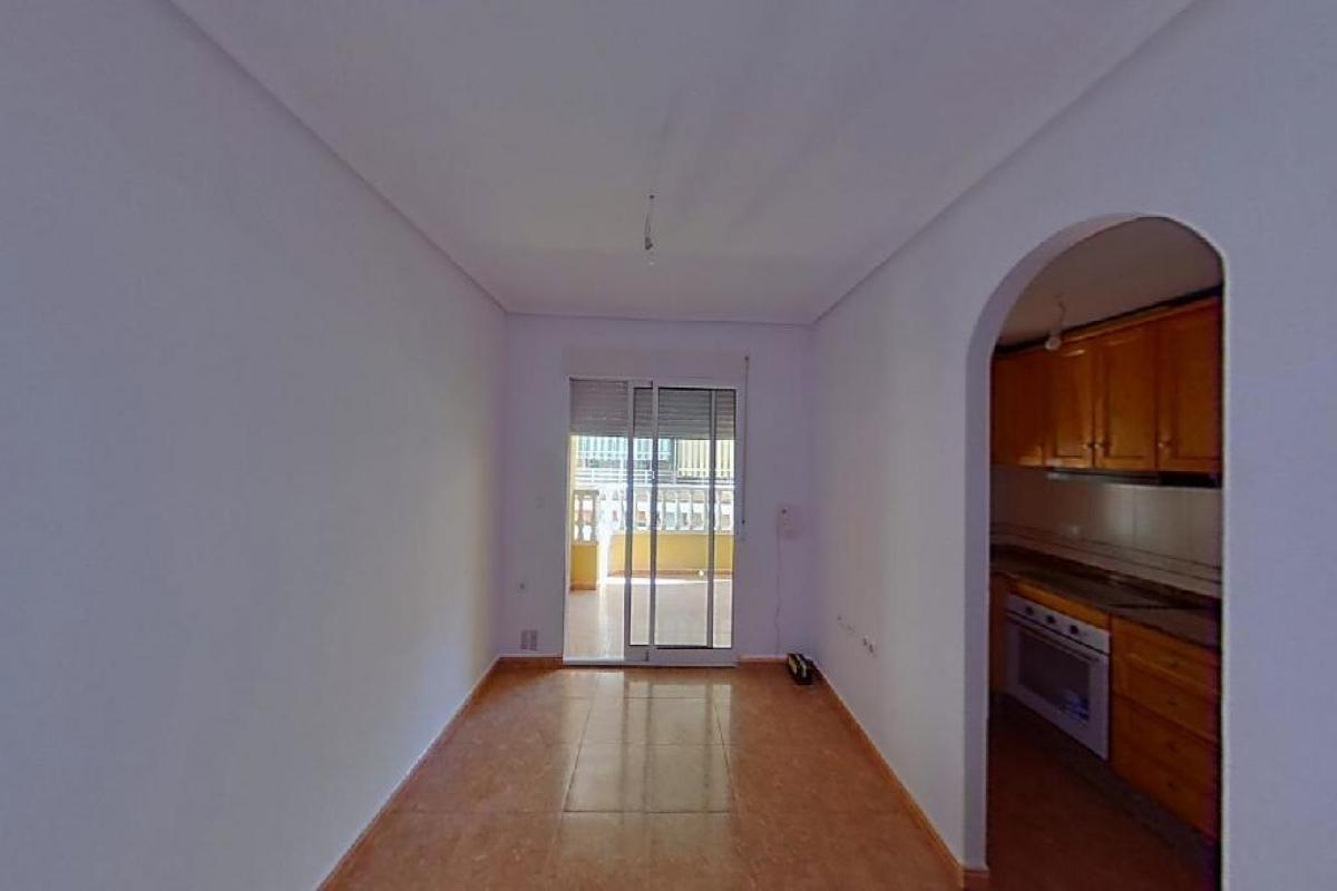 Piso en venta en Urbanización Calas Blancas, Torrevieja, Alicante, Rambla de Juan Mateo Garcia, 85.000 €, 2 habitaciones, 2 baños, 83 m2