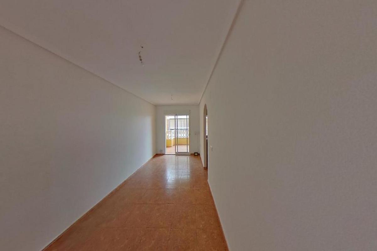 Piso en venta en Urbanización Calas Blancas, Torrevieja, Alicante, Rambla de Juan Mateo Garcia, 78.500 €, 2 habitaciones, 1 baño, 83 m2