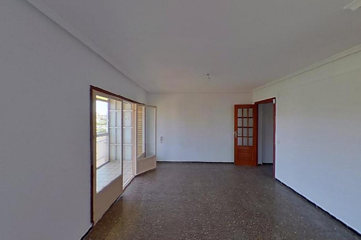Piso en venta en Barrio Obrero, Alicante/alacant, Alicante, Calle Rio Seco, 62.000 €, 3 habitaciones, 2 baños, 83 m2