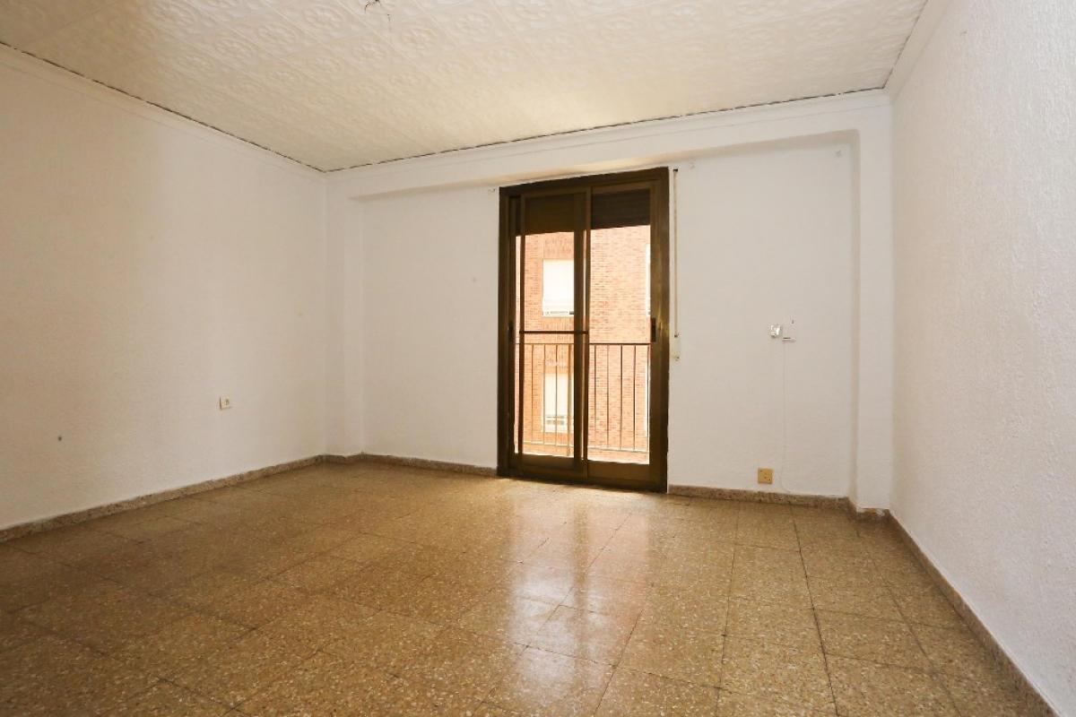 Piso en venta en Aldaia, Valencia, Calle Maestro Serrano, 41.000 €, 3 habitaciones, 1 baño, 73 m2