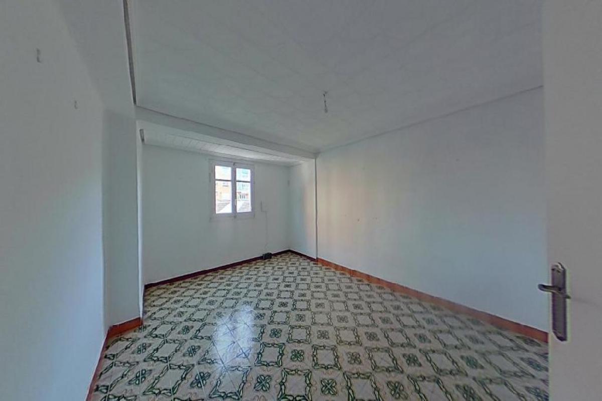 Piso en venta en Burjassot, Valencia, Calle Godella, 65.000 €, 3 habitaciones, 1 baño, 69 m2