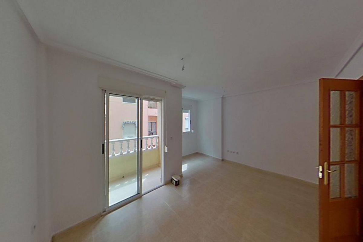 Piso en venta en La Mata, Torrevieja, Alicante, Calle Apolo, 93.000 €, 2 habitaciones, 2 baños, 81 m2