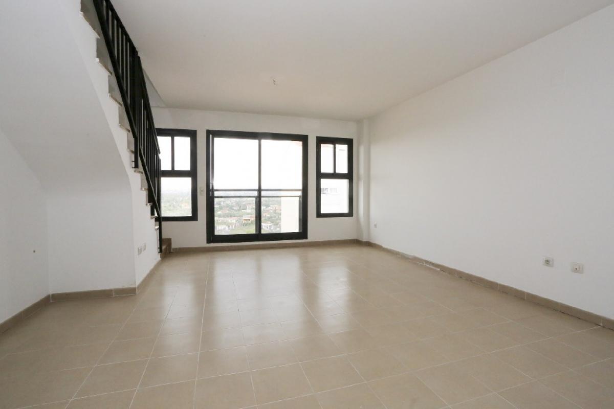 Piso en venta en Grupo San Pedro, Castellón de la Plana/castelló de la Plana, Castellón, Calle Serradal, 159.500 €, 3 habitaciones, 1 baño, 137 m2