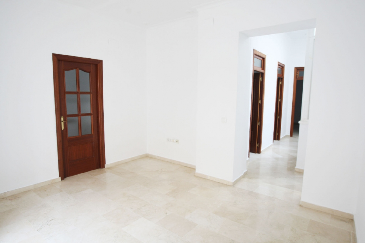 Piso en venta en Cádiz, Cádiz, Cádiz, Calle Patrocinio, 174.000 €, 3 habitaciones, 2 baños, 88 m2