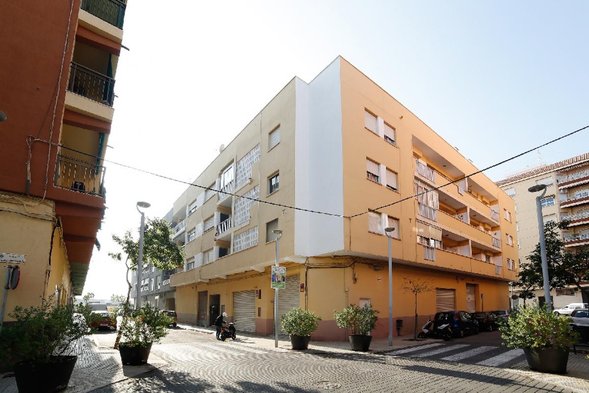 Piso en venta en Gandia El Grau, Gandia, Valencia, Calle Sequia de L`assut, 70.500 €, 4 habitaciones, 2 baños, 122 m2