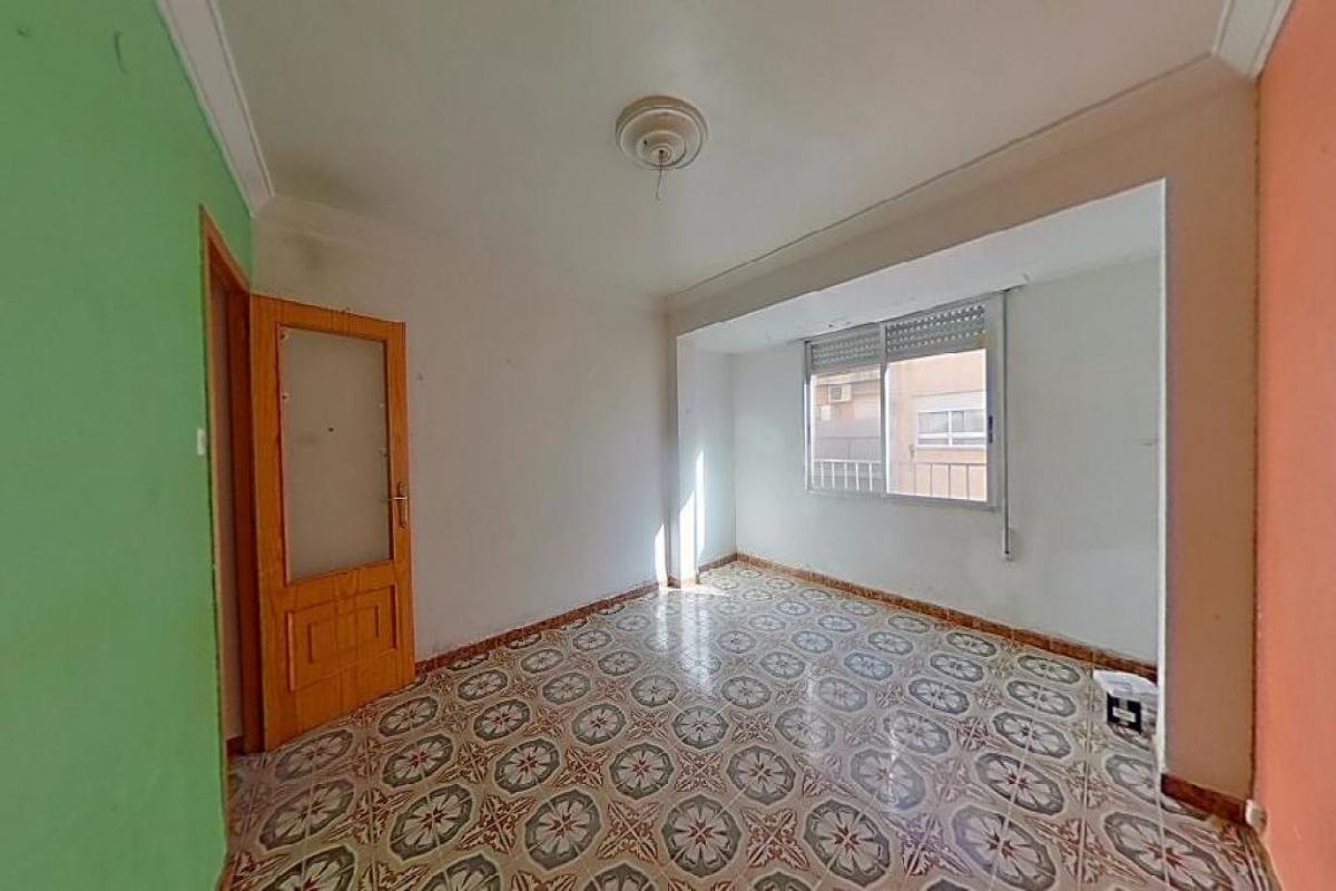 Piso en venta en Gandia, Valencia, Calle Primer de Maig, 57.000 €, 4 habitaciones, 1 baño, 85 m2