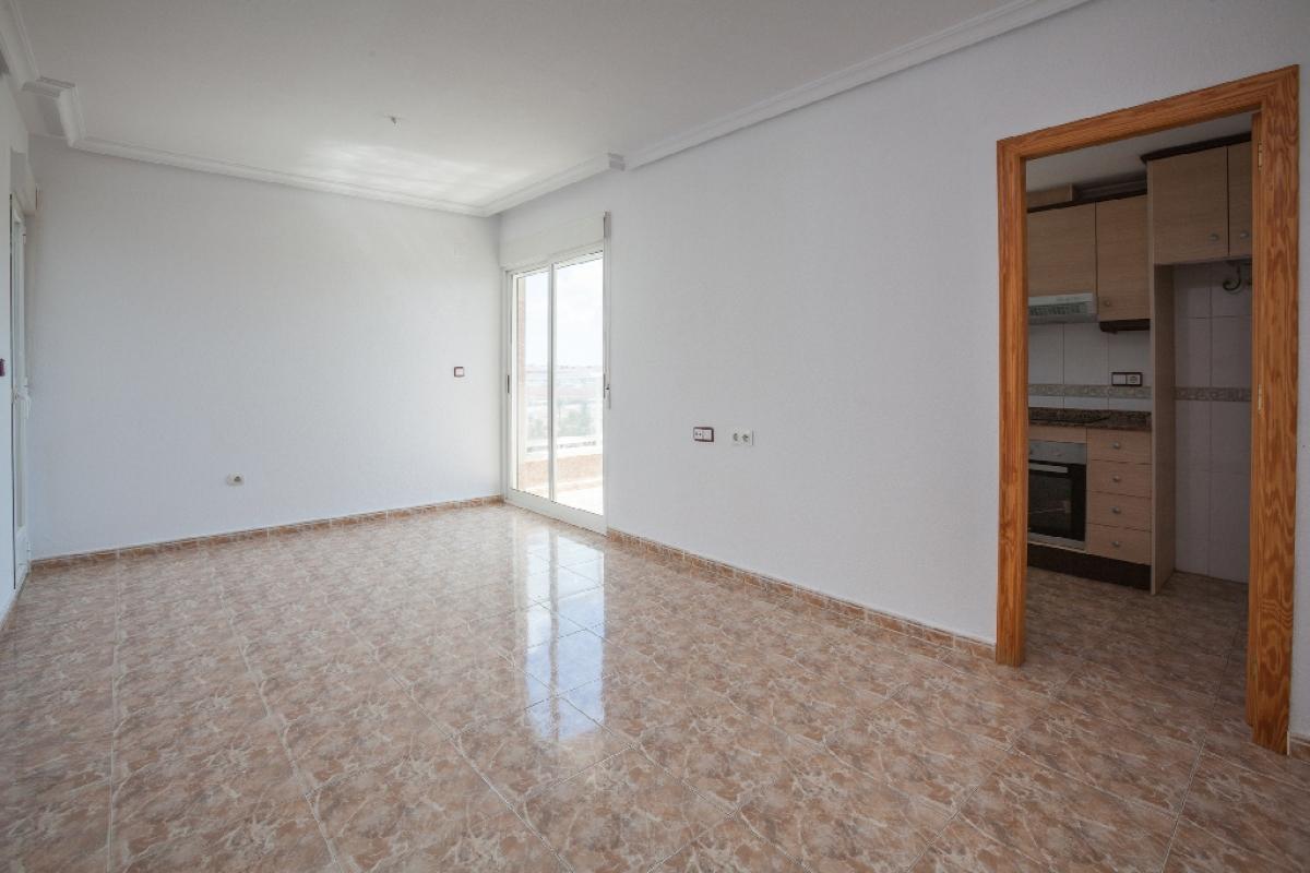 Piso en venta en Torrevieja, Alicante, Calle Marcelina, 80.500 €, 2 habitaciones, 1 baño, 69 m2