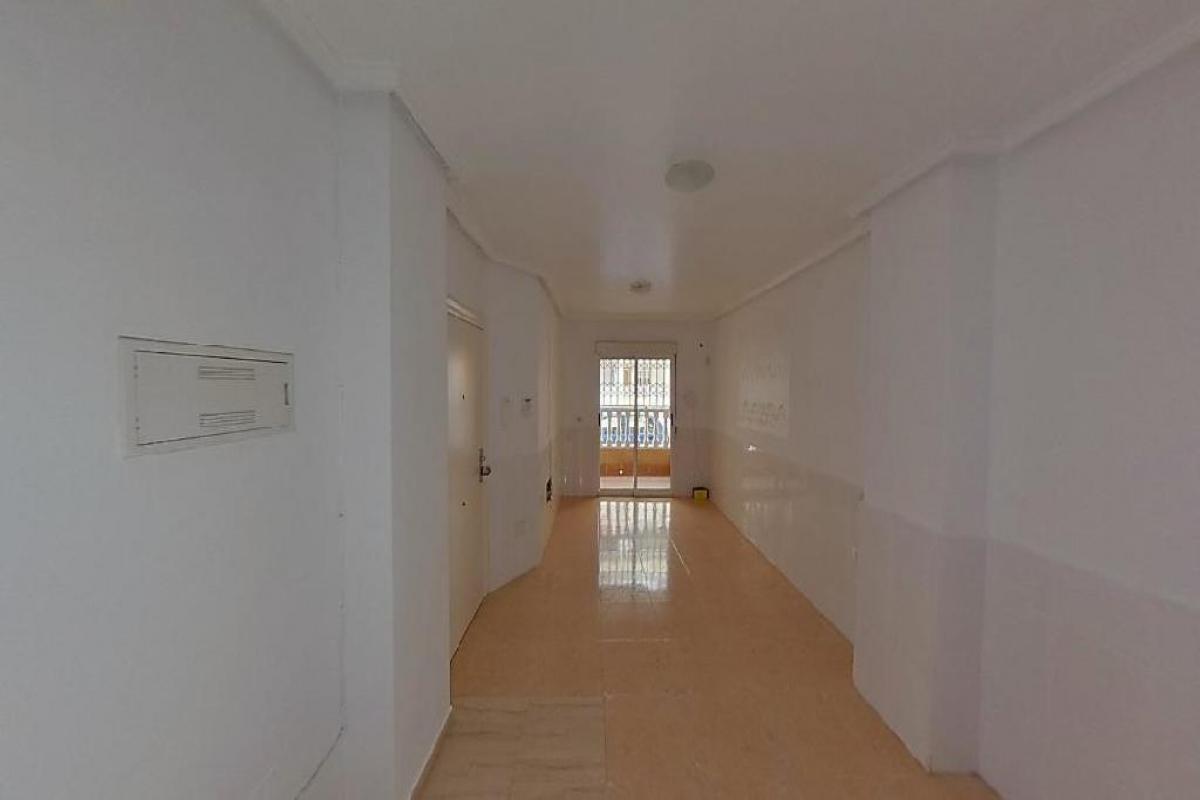 Piso en venta en Torrevieja, Alicante, Calle Maria Gil Vallejos, 79.500 €, 3 habitaciones, 1 baño, 77 m2