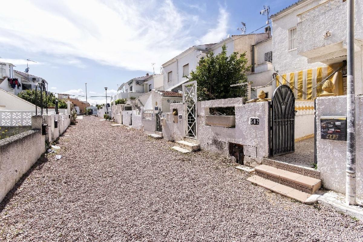 Casa en venta en La Mata, Torrevieja, Alicante, Calle Rodrigo, 39.000 €, 2 habitaciones, 1 baño, 45 m2