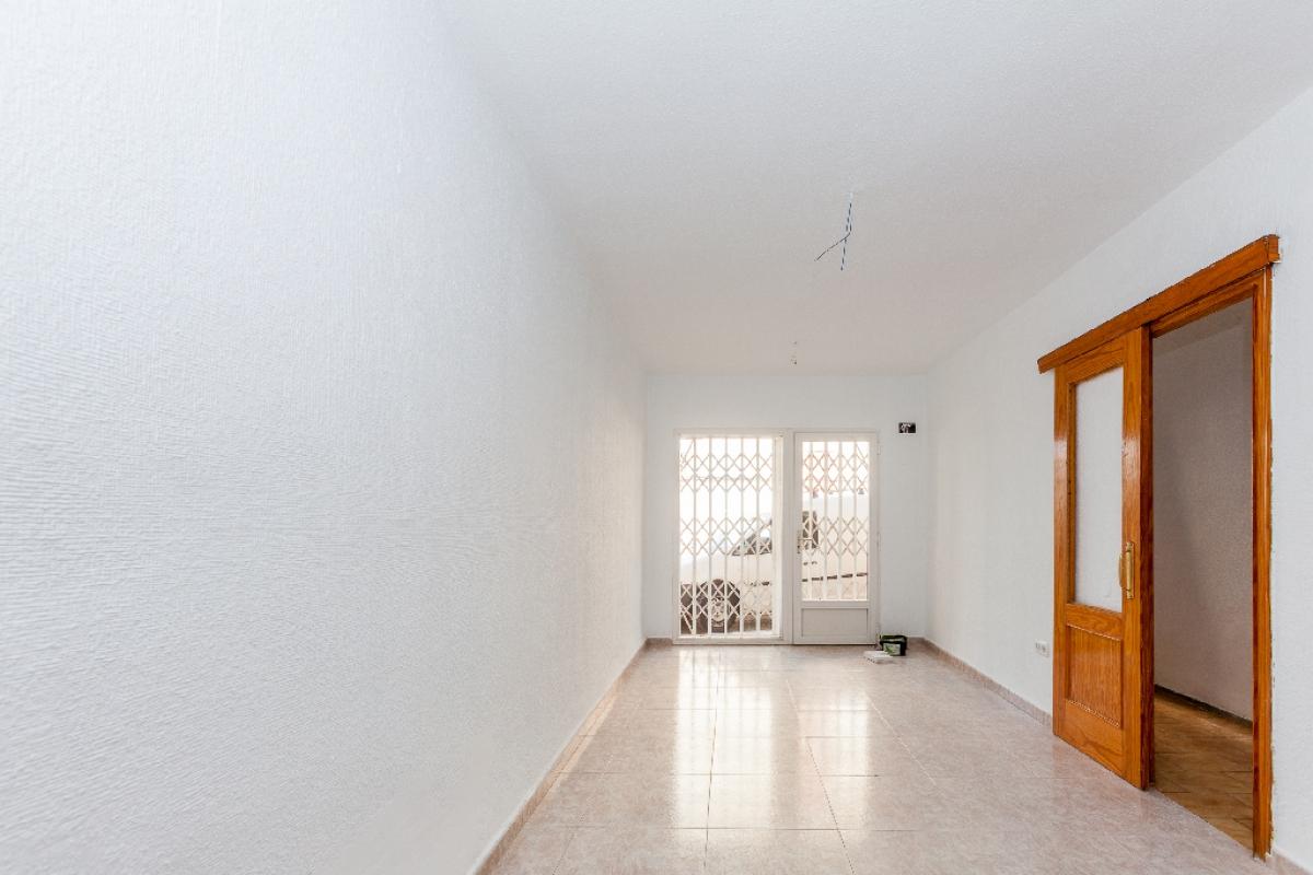 Casa en venta en Roquetas de Mar, Almería, Calle Barcelona, 87.500 €, 4 habitaciones, 2 baños, 136 m2