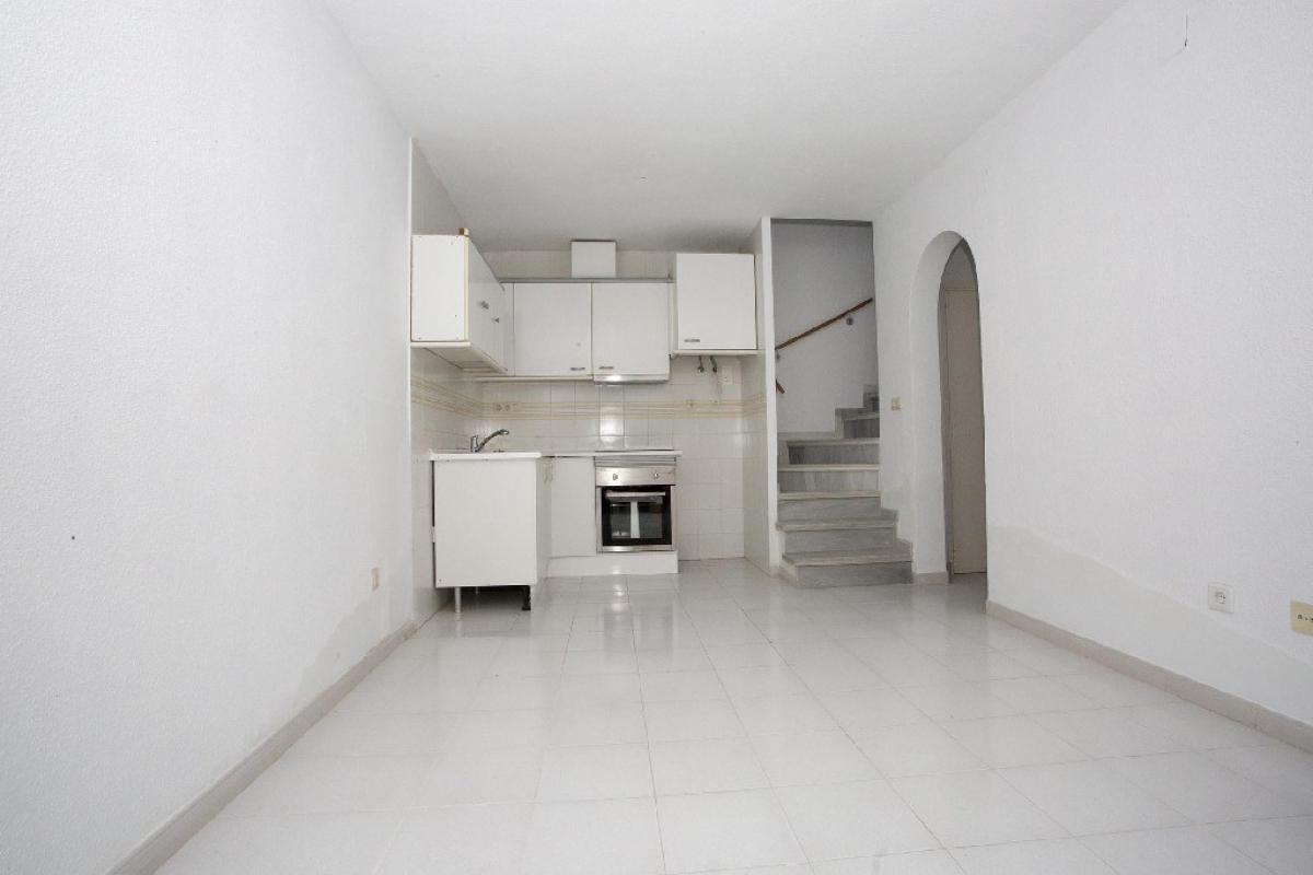 Casa en venta en Torrevieja, Alicante, Calle Lago Jardin Ii, 71.000 €, 2 habitaciones, 1 baño, 54 m2