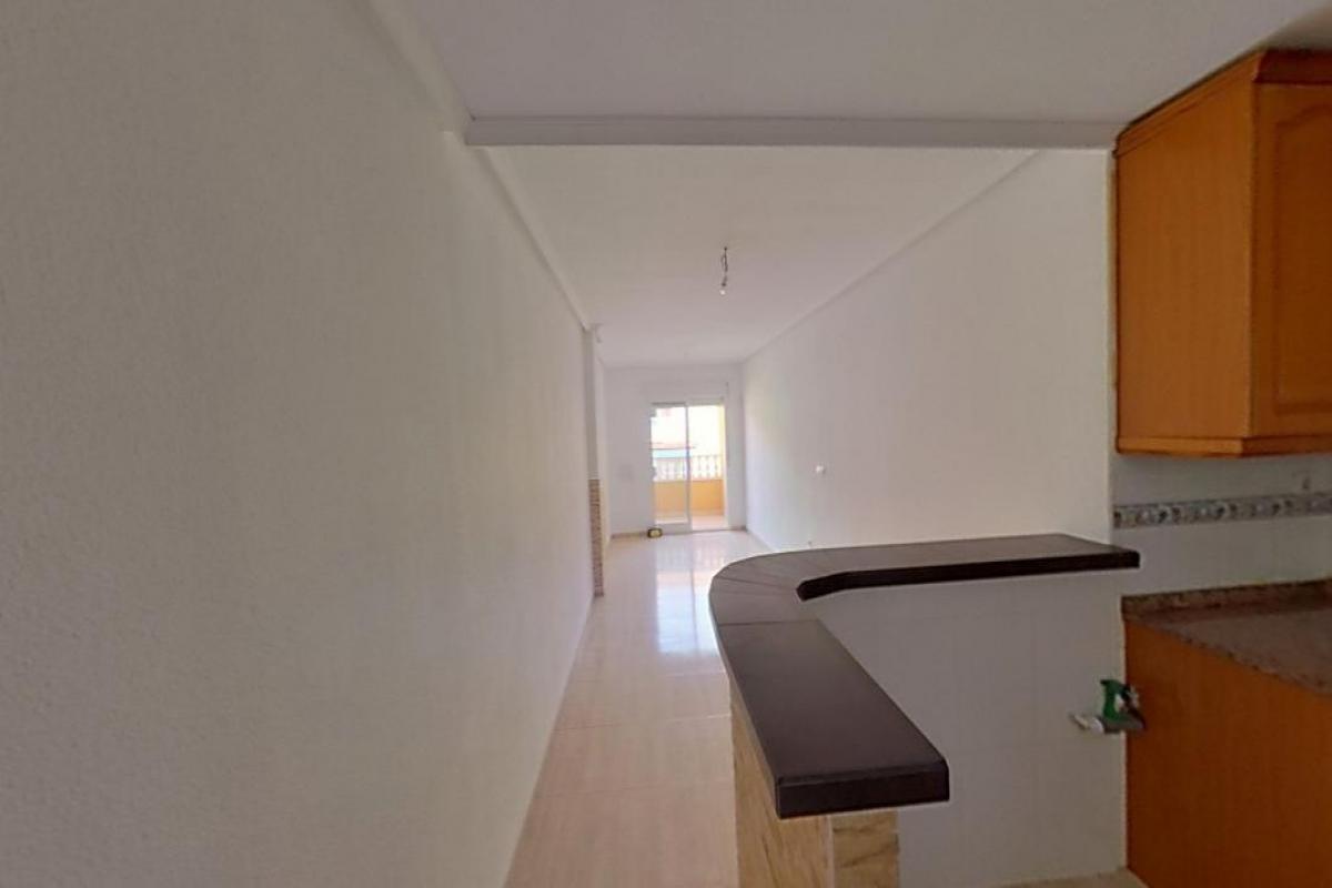 Piso en venta en Torrevieja, Alicante, Calle Torresal, 78.500 €, 2 habitaciones, 1 baño, 75 m2