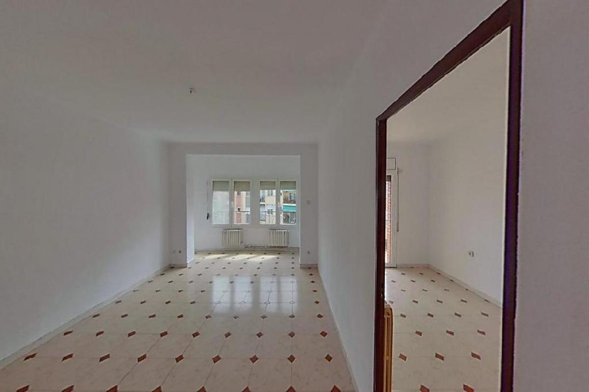 Piso en venta en Mas Nou, Manlleu, Barcelona, Calle Vilamirosa, 61.000 €, 3 habitaciones, 1 baño, 94 m2