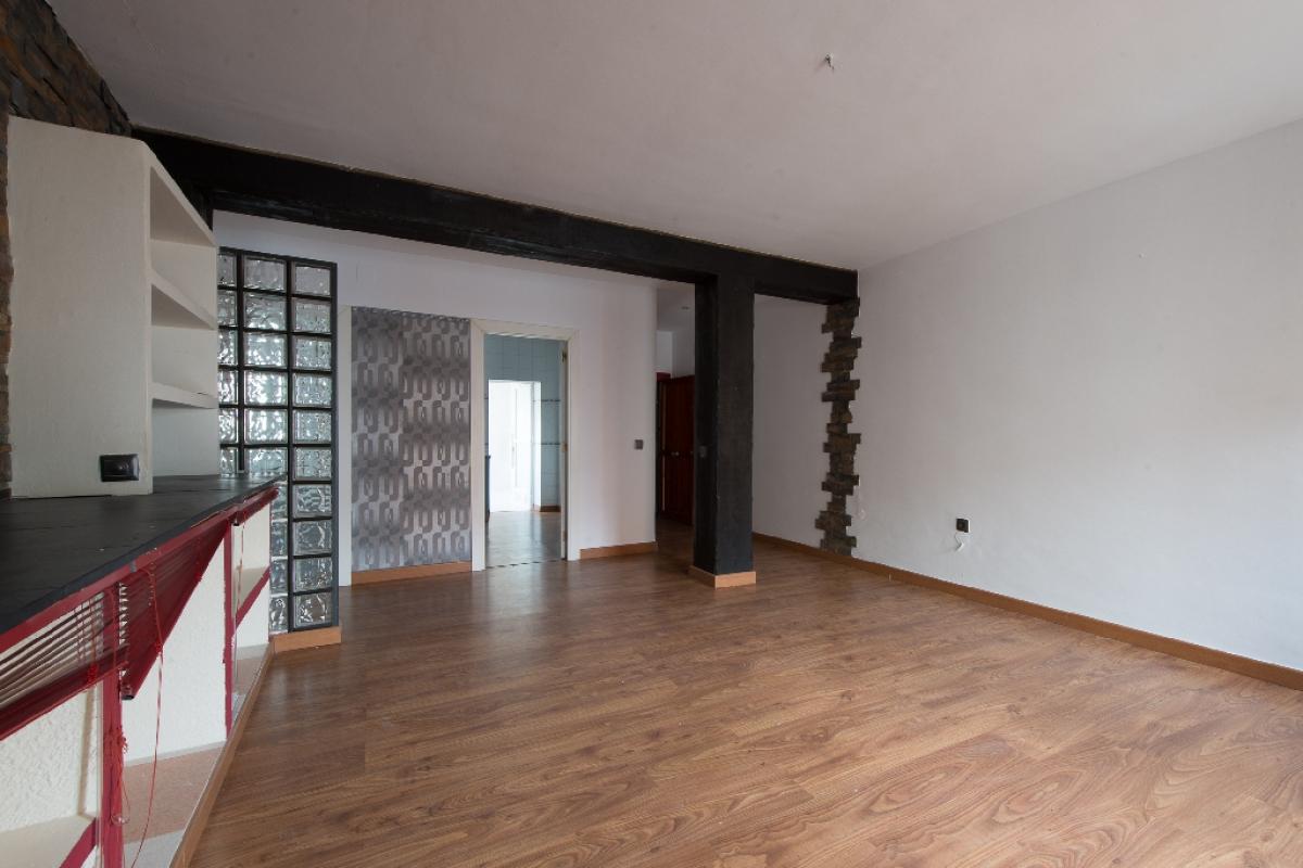 Piso en venta en Badajoz, Badajoz, Calle Alfereces, 115.500 €, 2 habitaciones, 1 baño, 104 m2