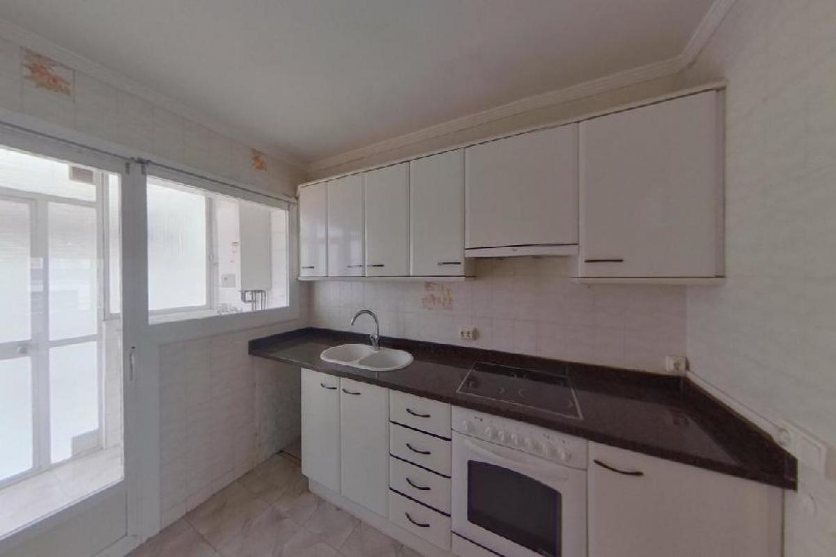 Piso en venta en Piso en Vic, Barcelona, 116.000 €, 3 habitaciones, 1 baño, 115 m2, Garaje
