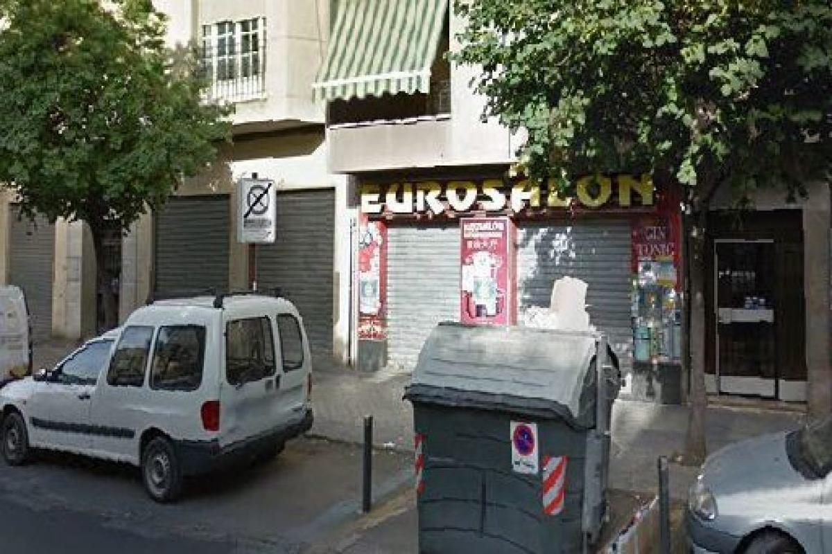 Local en venta en Granada, Granada, Calle Dilar, 183.500 €, 159 m2