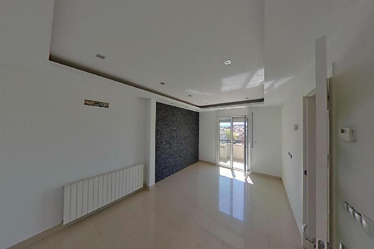 Piso en venta en Mas Nou, Manlleu, Barcelona, Calle Puigmal, 104.000 €, 2 habitaciones, 1 baño, 82 m2
