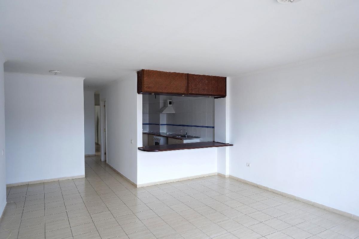 Piso en venta en San Cristobal de la Laguna, Santa Cruz de Tenerife, Calle Teneguia, 208.500 €, 3 habitaciones, 2 baños, 99 m2