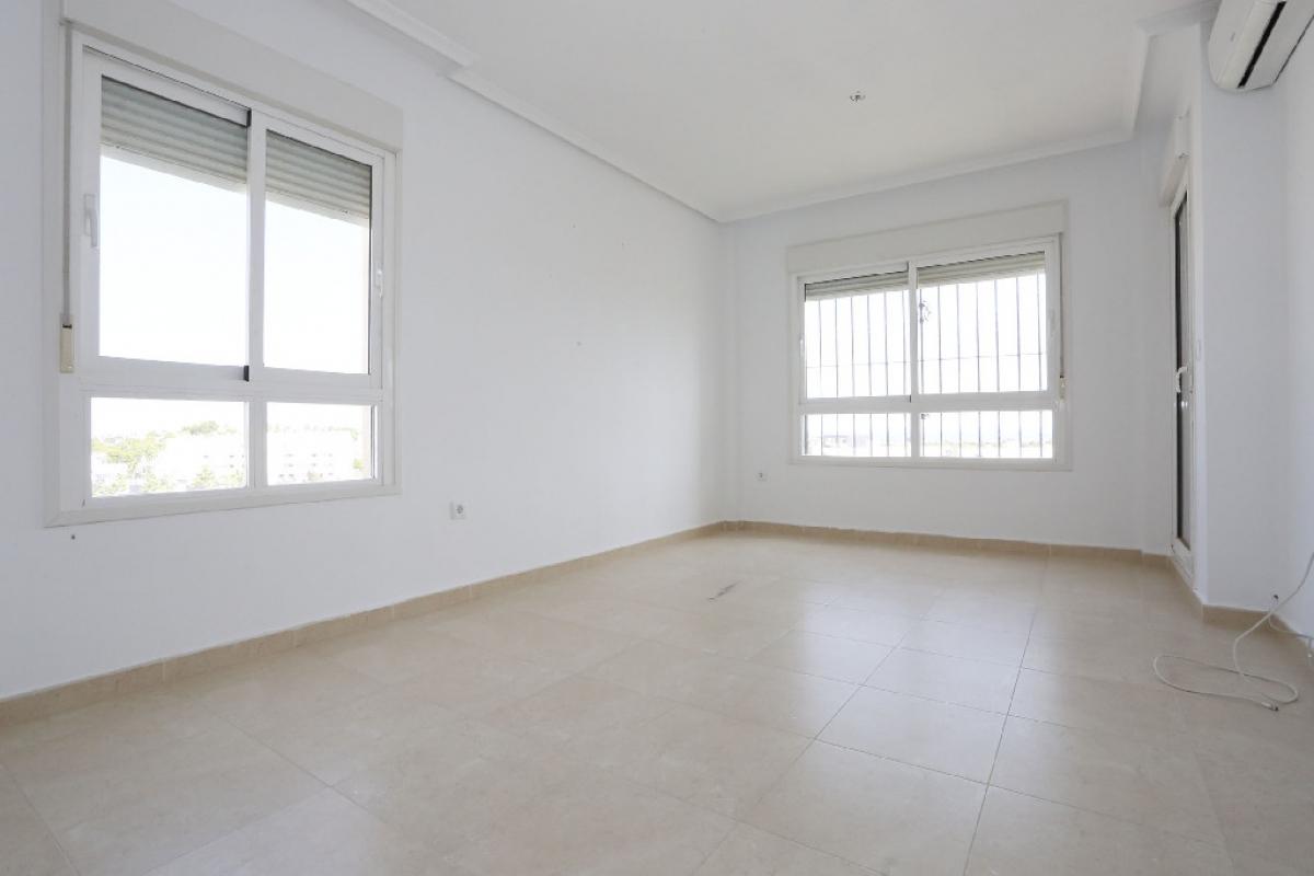 Piso en venta en Orihuela, Alicante, Calle Pau, 136.000 €, 2 habitaciones, 2 baños, 97 m2