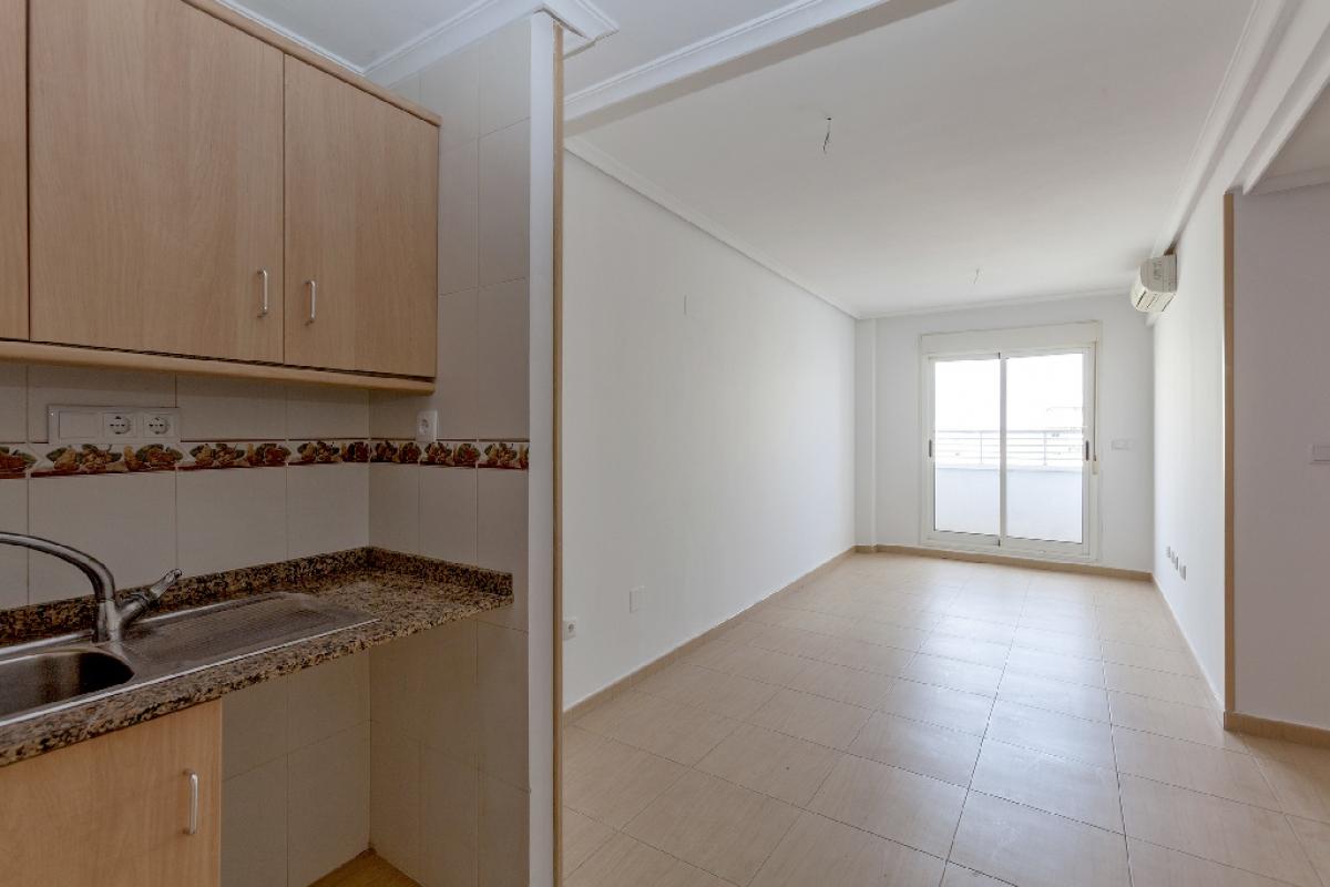 Piso en venta en Torrevieja, Alicante, Calle Santa Trinidad, 55.500 €, 1 habitación, 1 baño, 47 m2