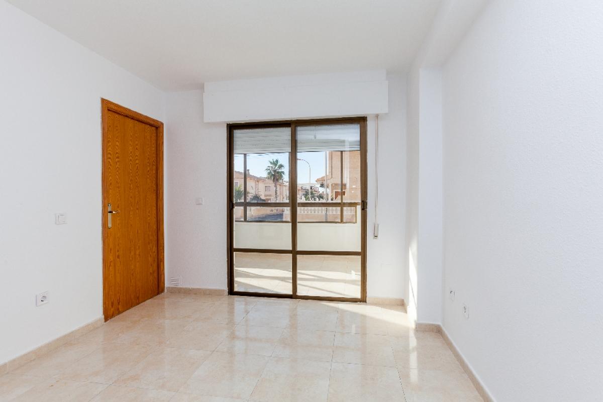 Piso en venta en Torrevieja, Alicante, Calle Comunidad de Madrid, 100.500 €, 2 habitaciones, 1 baño, 50 m2