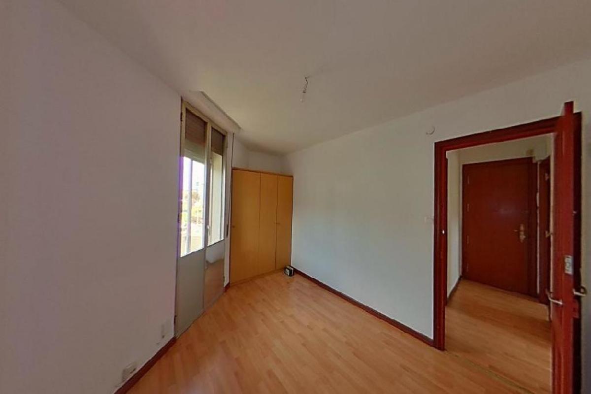 Piso en venta en Barakaldo, Vizcaya, Calle Retuerto, 82.000 €, 2 habitaciones, 1 baño, 54 m2