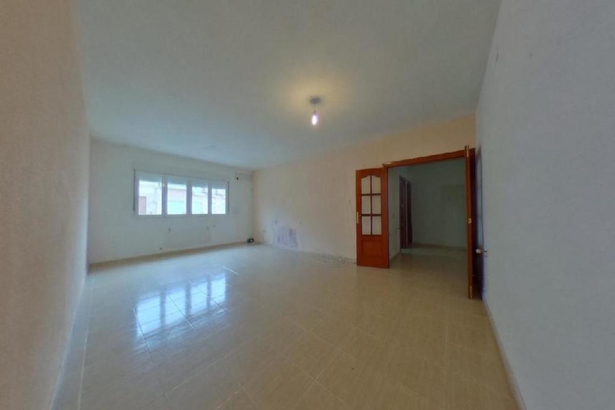 Piso en venta en Yeles, Toledo, Calle Castilla la Mancha, 109.500 €, 3 habitaciones, 3 baños, 200 m2