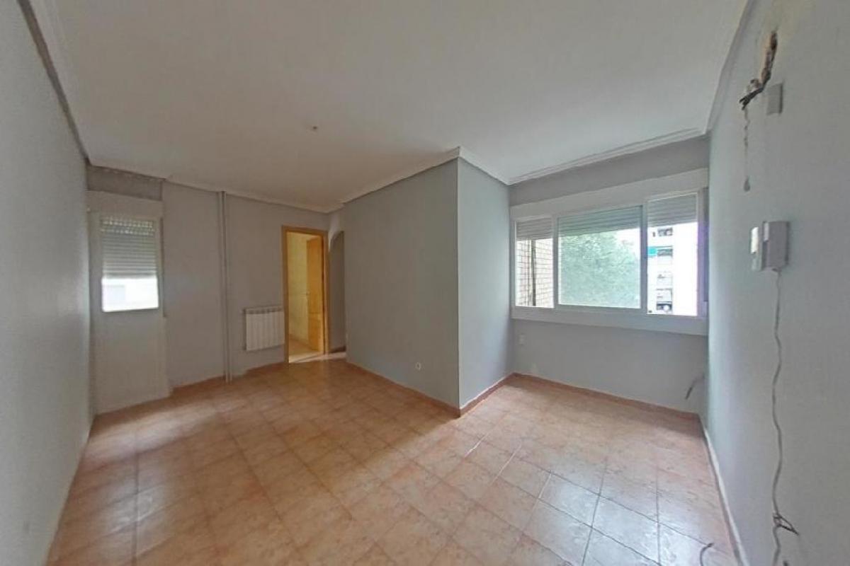 Piso en venta en Reyes Católicos, Alcalá de Henares, Madrid, Calle Jazmín, 119.500 €, 3 habitaciones, 1 baño, 66 m2