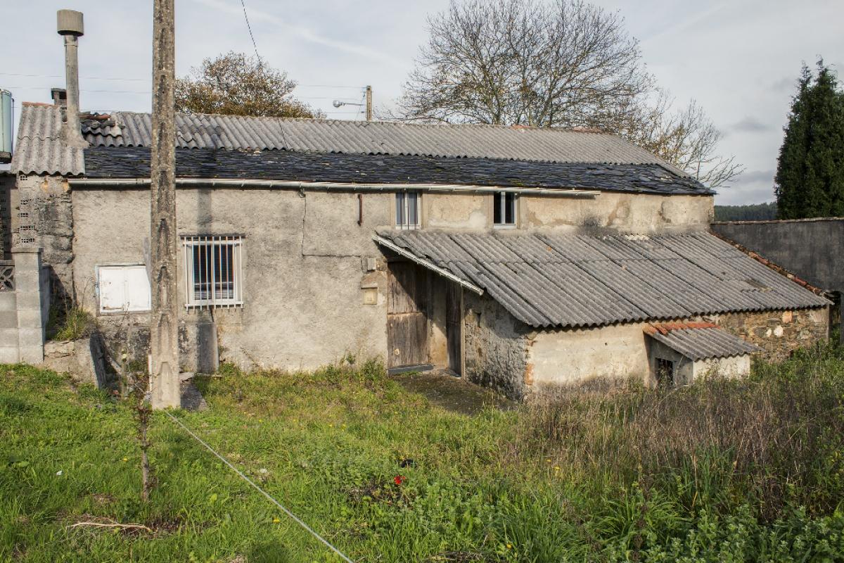 Casa en venta en Moeche, Moeche, A Coruña, Calle Salgueira-belcoy, 9.500 €, 1 habitación, 1 baño, 161 m2