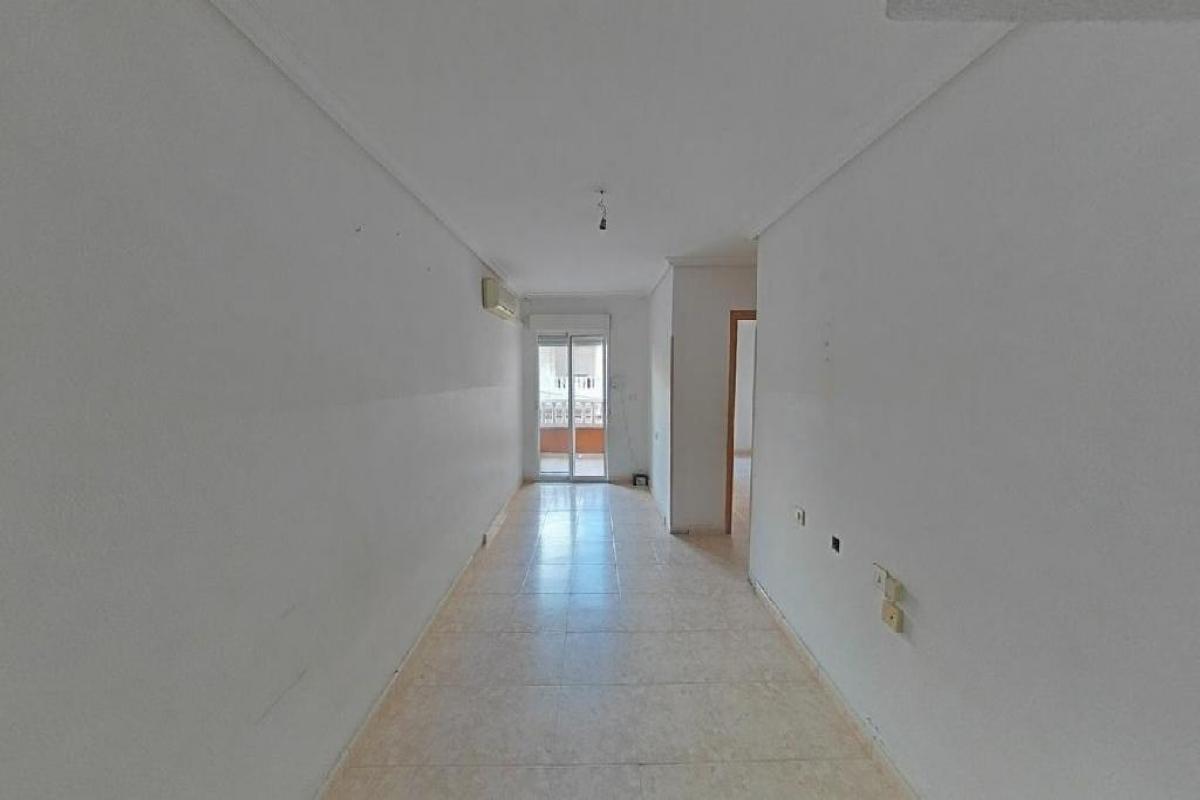Piso en venta en Urbanización Calas Blancas, Torrevieja, Alicante, Calle San Emigdio, 49.500 €, 2 habitaciones, 1 baño, 58 m2