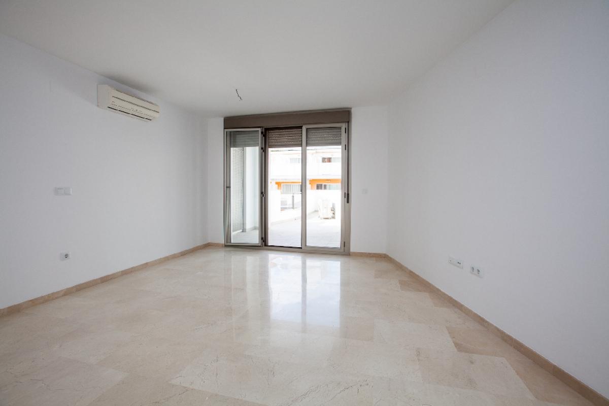 Piso en venta en Colonia Madrid - Foietes, Benidorm, Alicante, Calle Florida, 157.500 €, 2 habitaciones, 2 baños, 109 m2