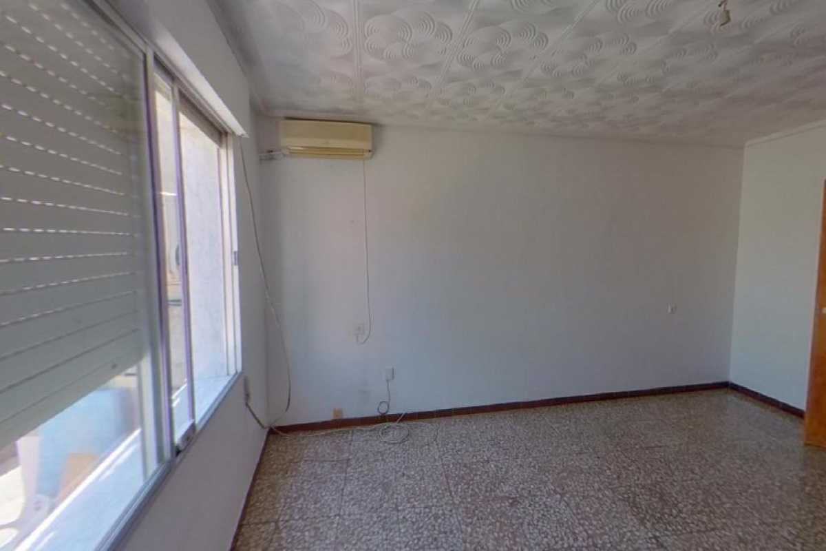 Piso en venta en Callosa de Segura, Alicante, Calle Pozo Alto, 38.000 €, 3 habitaciones, 1 baño, 113 m2