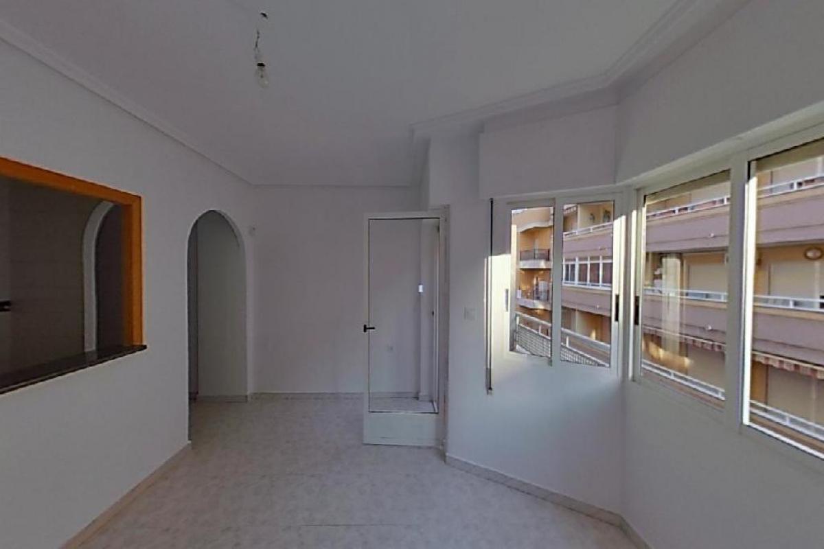 Piso en venta en La Mata, Torrevieja, Alicante, Calle San Pascual, 69.000 €, 2 habitaciones, 1 baño, 59 m2