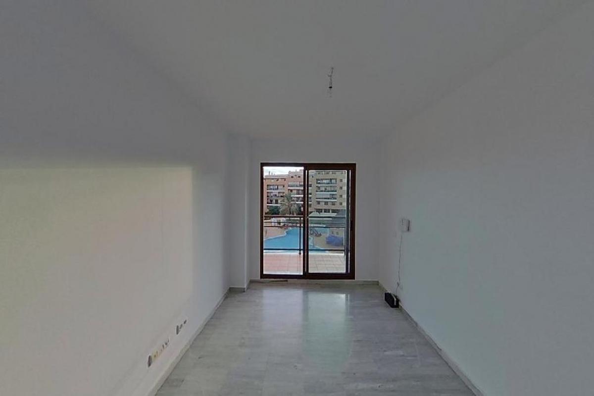 Piso en venta en Torremolinos, Málaga, Calle Villa del Rio, 261.000 €, 3 habitaciones, 2 baños, 122 m2