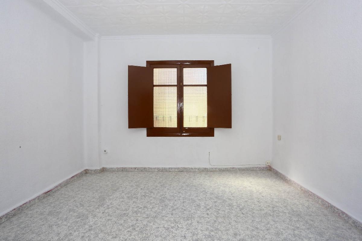 Piso en venta en Alaquàs, Valencia, Calle Palop Guillem, 44.500 €, 3 habitaciones, 1 baño, 78 m2
